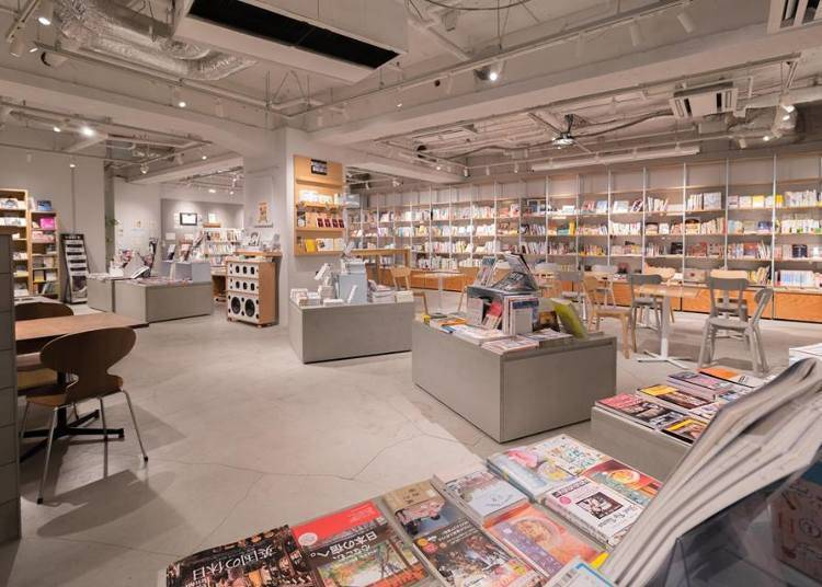 BOOK LAB TOKYO: A book cafe open from early in the morning