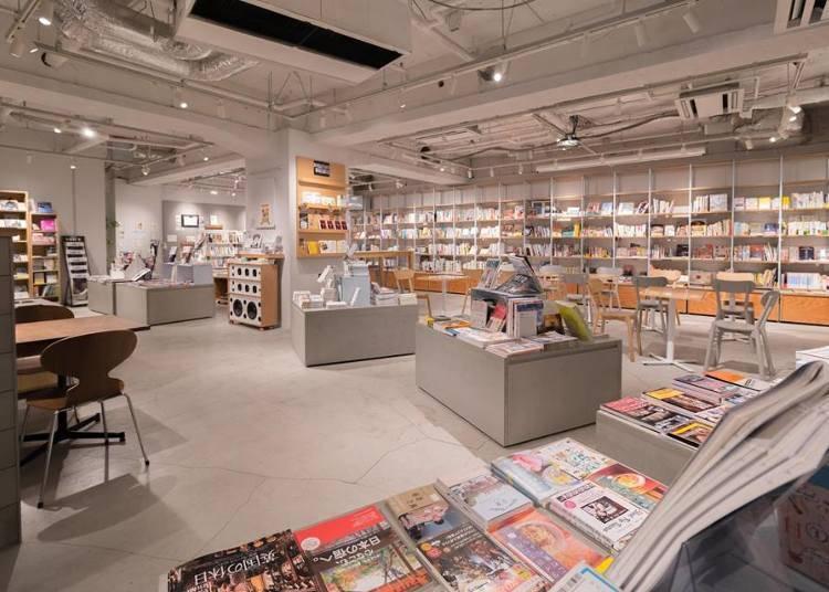 早朝からオープンしている便利なブックカフェ「BOOK LAB TOKYO」