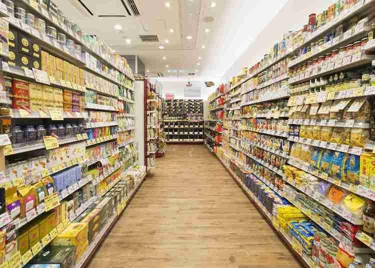 聚集許多從全球嚴選的豐富商品,萬能超市「成城石井」