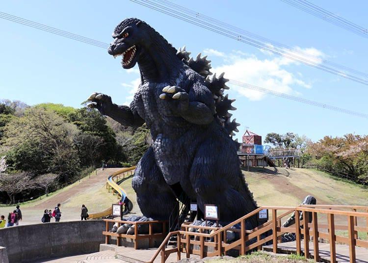 Impressive giant Godzilla slide! Adventure Land athletic playground