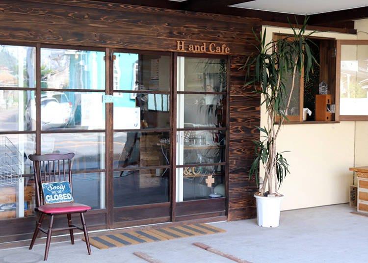■新鮮野菜たっぷりのメニューで菜食健美を追求する「H and Cafe(アッシュアンドカフェ)」