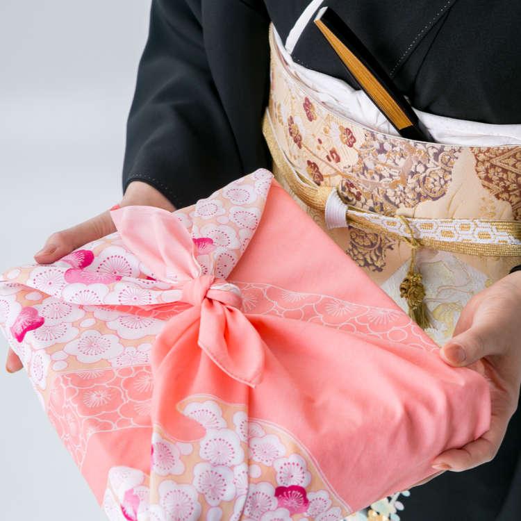 Cool Japan Souvenirs 10 Reasons You Ll Want A Japanese Furoshiki Wrap Live Japan Travel Guide