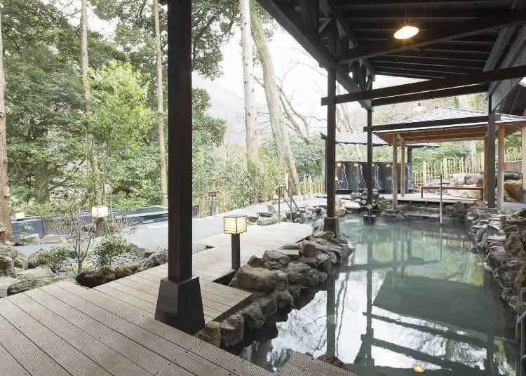 ■一到箱根汤本就直接去「箱根汤寮」泡温泉吧!