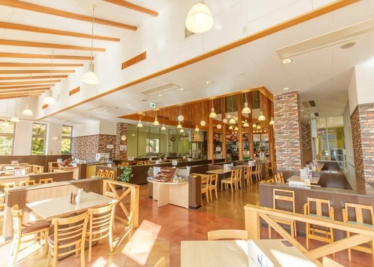 ■午餐时间就到「桃源台展观餐厅」美景配美食