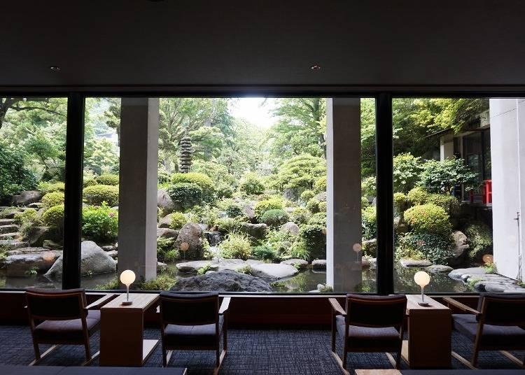 1万坪にも及ぶ日本庭園がお出迎え「吉池旅館」