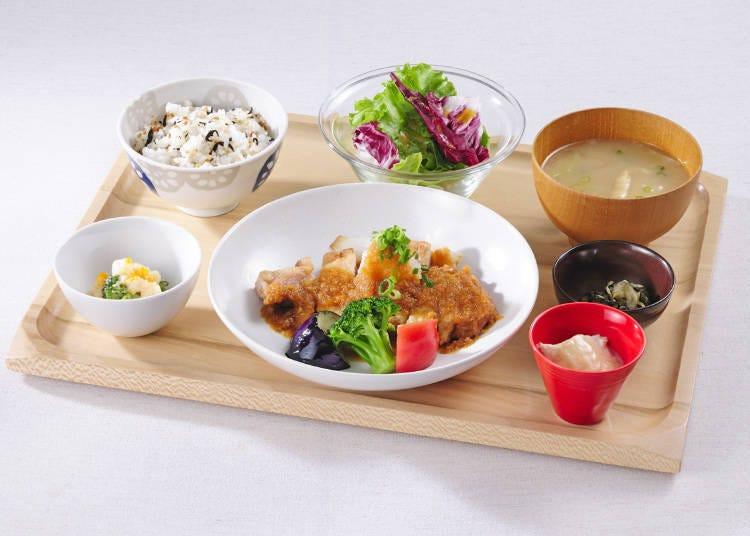 3. Obon de Gohan (T2): Homey set meals that warm both stomach and heart
