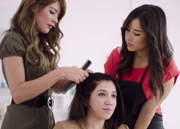 1人に対して2人以上の美容師が対応してくれる