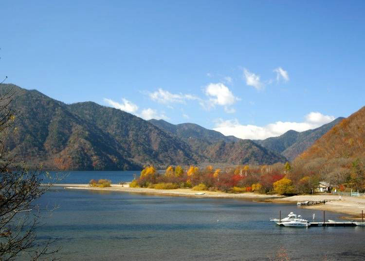 Nikko in Fall: The beautiful contrast of the autumn leaves and the water at Chuzenji Lake