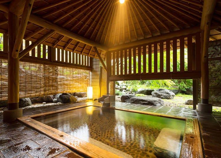「星野集團 界 日光」開放感滿點的檜木湯舟溫泉