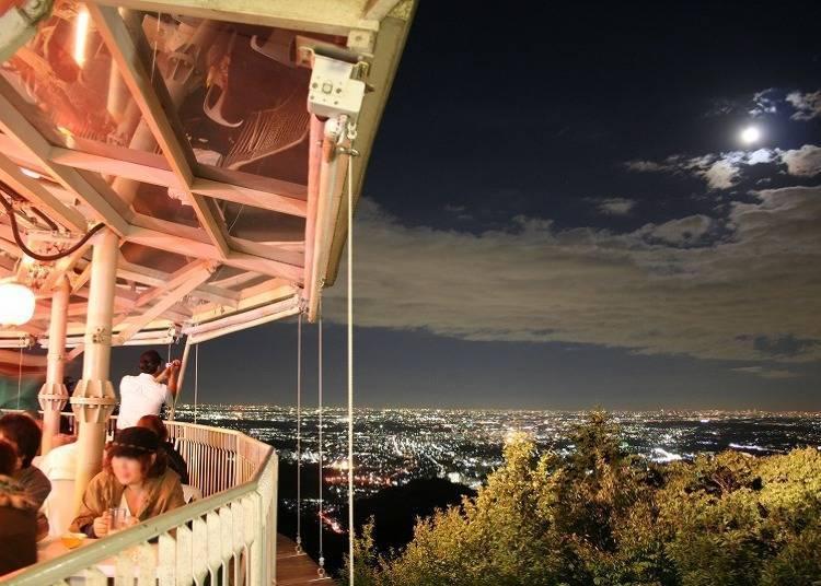 【夏】眺望浪漫夜景干一杯「高尾山Beer Mount」