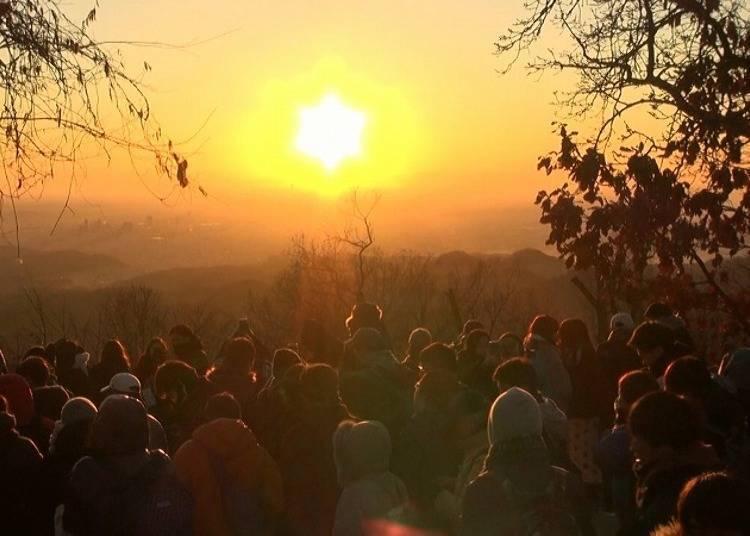 【冬】在高尾山迎接新年第一道曙光「山顶元旦日出」