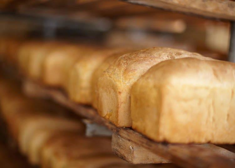 ■「角型食パン」と「山型食パン」の違い