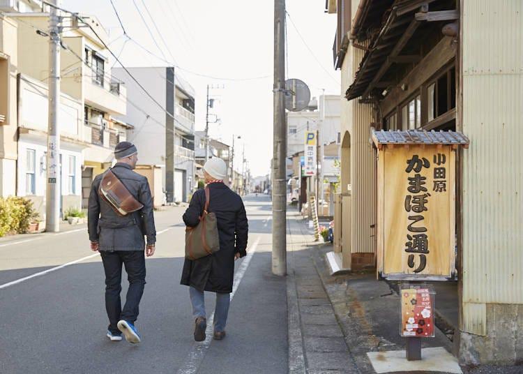 小田原のぶらり散歩、かまぼこ通りから海岸、千度小路龍宮神社へ