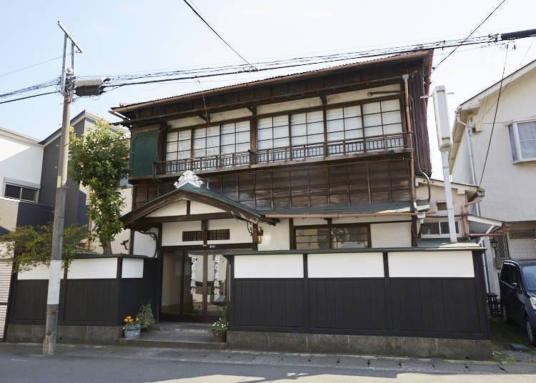 예스러워 더 멋진 오래된 민가에서 일본의 일상을 체험할 수 있는 '히노데 료칸'
