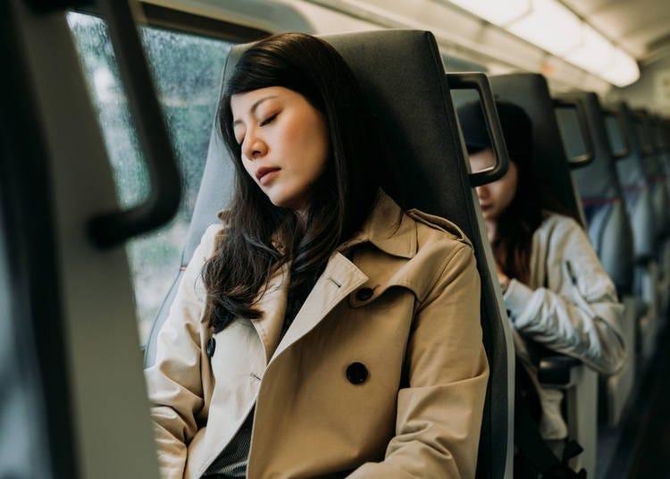 4. People sleep on trains all the time