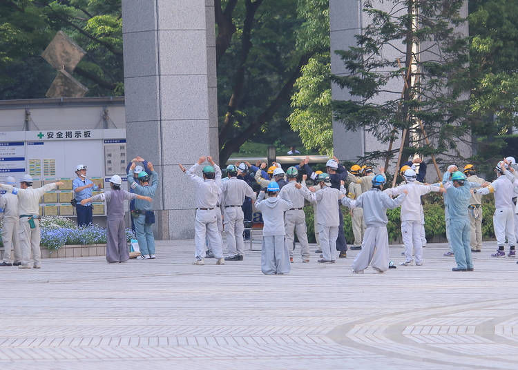 15. Many Japanese companies have morning exercises