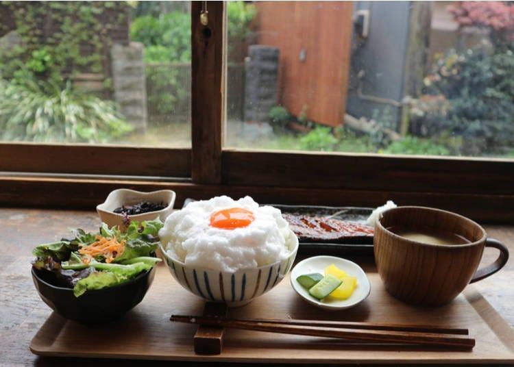 9:00 am: Coffee and Breakfast in Kamakura