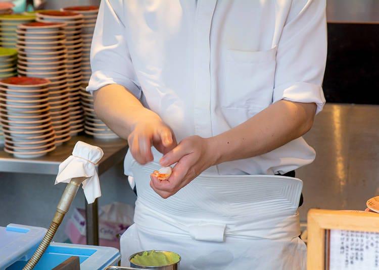 銀座壽司人氣秘訣① 店內常備有多種直接向漁師採購的珍貴食材