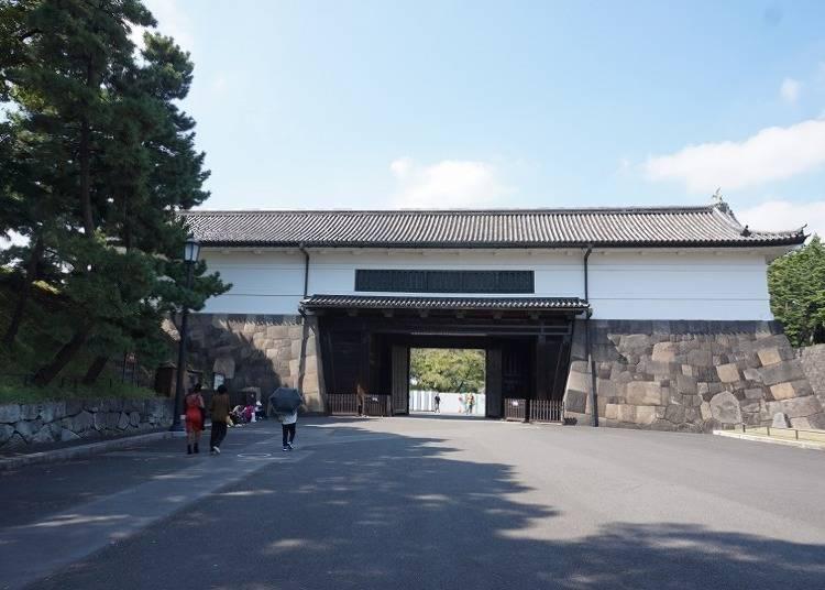 現存する城門では最大の「桜田門」