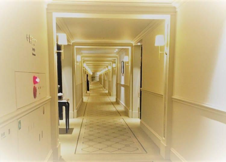 도쿄 스테이션 호텔의 우아한 객실에서 도내 유일의 배경을 만끽