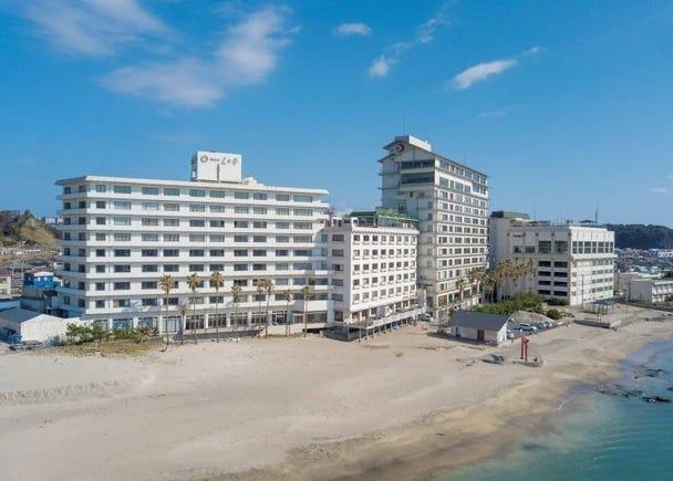 1. Katsuura Hotel Mikazuki: All-you-can-eat Crab & Hot Springs Inn