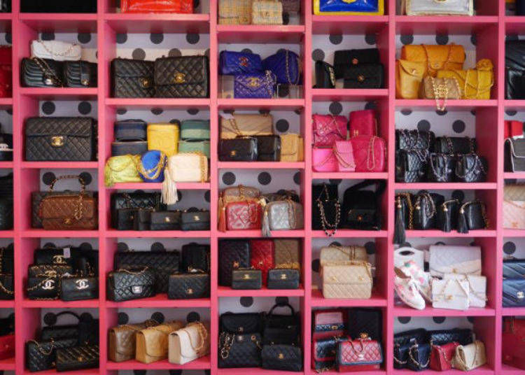 5. AMORE Vintage Omotesando: Shop offering vintage items from the 80s and 90s