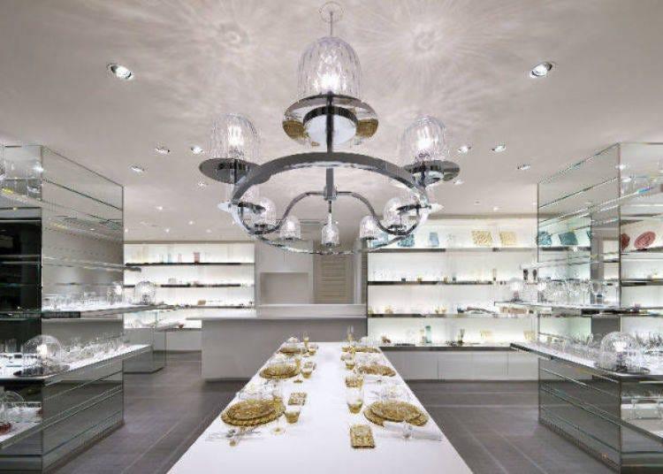 23. Sugahara Shop Aoyama: Feel the warmth of craftsman-made glass