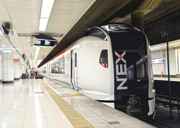 从新宿搭乘「成田Express」前往成田机场