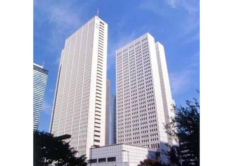 2. 茶室も備えた日本初の超高層ホテル「京王プラザホテル」