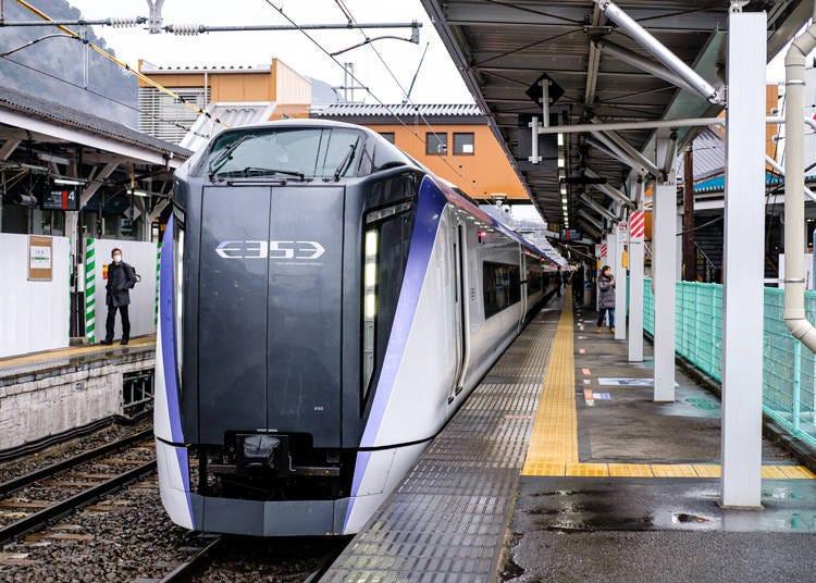 (3)[특급 아즈사 가이지+후지큐코선]도쿄 23구에서 전철로 가는 경우 이동이 빨라 편리하다.