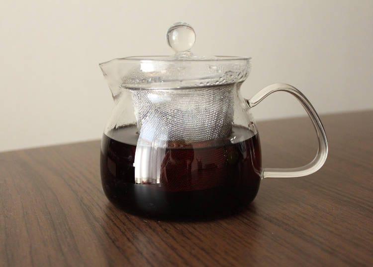 7. Elegant Glass Teapot for the Tea Aficionado