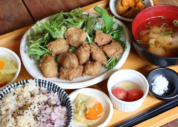 Mumokuteki Café & Foods