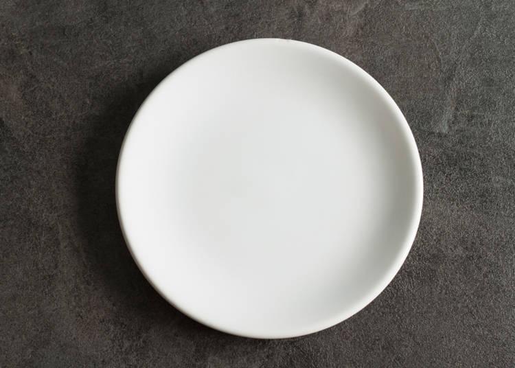 料理を置く小さいお皿が欲しい