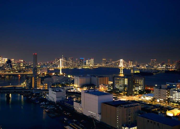 ハンモックに寝転がって夜景を堪能できる「第一ホテル東京シーフォート」