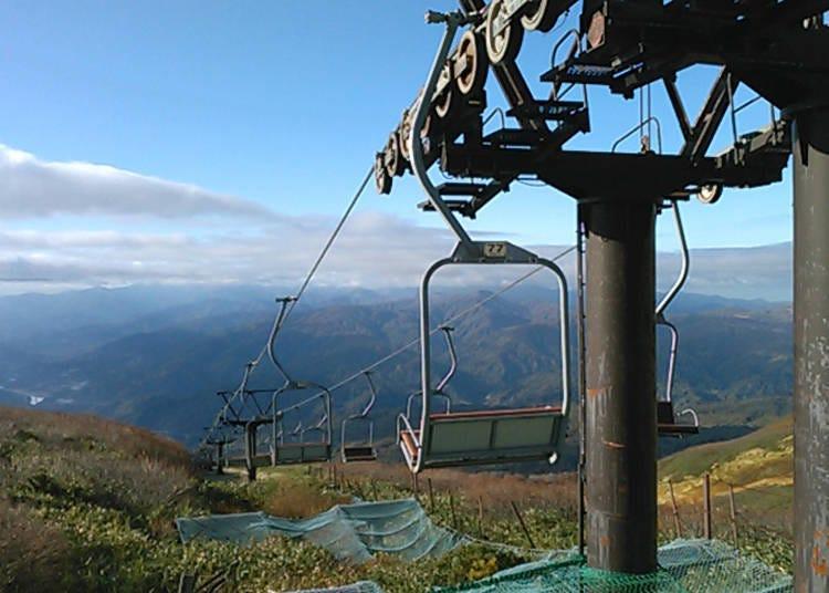 夏天也有天然雪的月山滑雪場