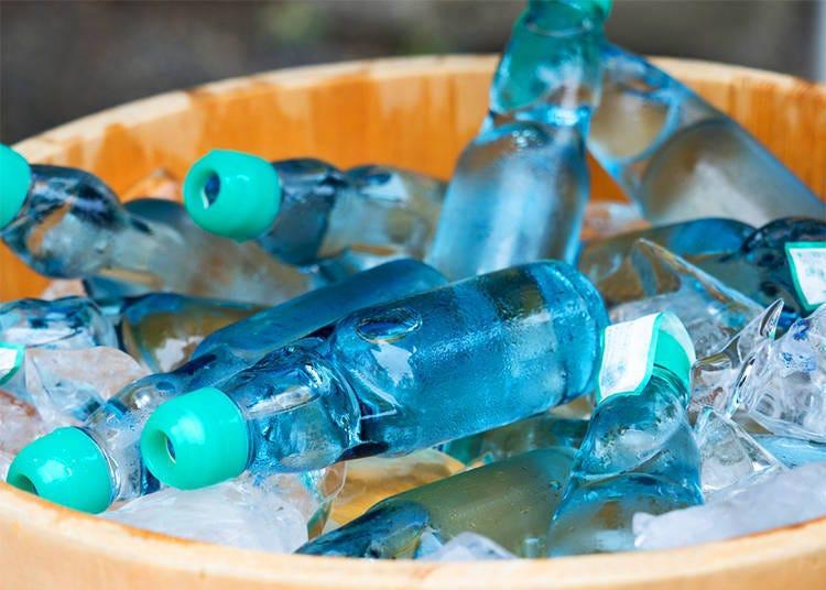 飲みもの編1:夏のお祭りの定番商品「ラムネ」