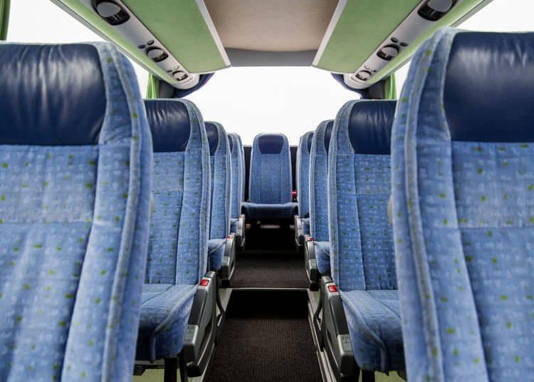 搭乘接駁巴士往返於「HAKUBA VALLEY」白馬滑雪場各區域超便利!