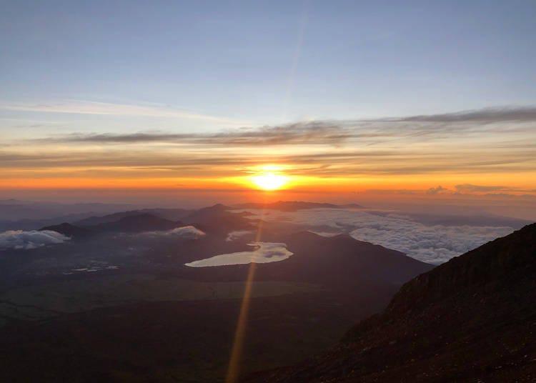 富士山除了日出之外还有璀璨星空可看