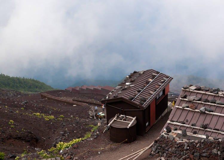 富士山登山注意事項③富士山上禁止紮營!要過夜請到山中小屋去