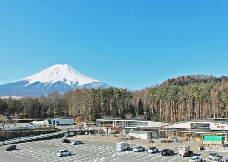 富士五湖地區觀光景點6. 東京人專程來此汲水看富士山「道之驛富士吉田」