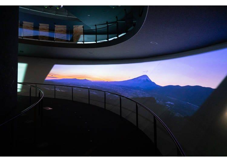 到富士山世界遺產中心裡的「攀登參拜之山」模擬富士登山心境