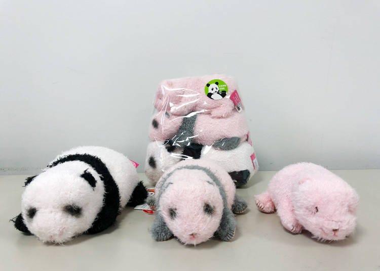 上野动物园人气熊猫商品-第3名:用玩偶回顾香香的成长「实际大小 香香」