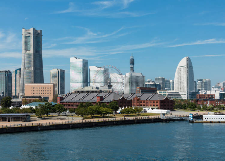 16:00 - Take a stroll around the Minato Mirai area and enjoy scenery selected as one of the 100 best cityscapes!