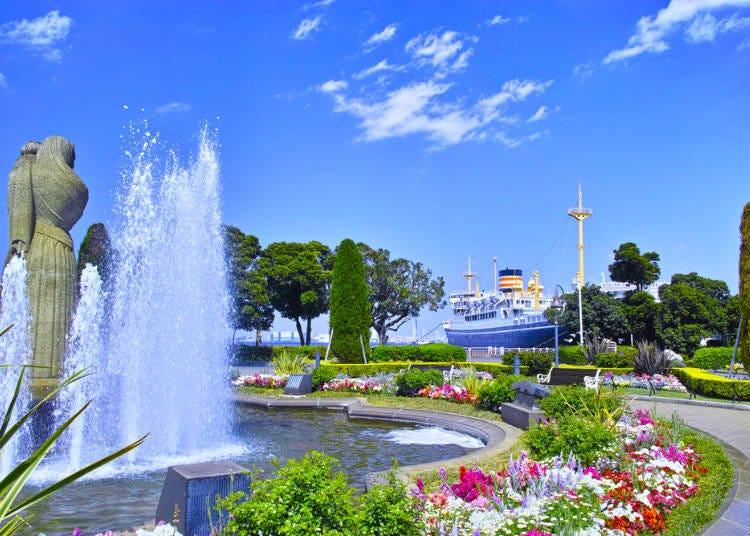 11:30 국가 중요문화재, 니혼유센(일본의 해운업체)의 화물여객선 '히카와마루'가 정박 중인 야마시타 공원 산책