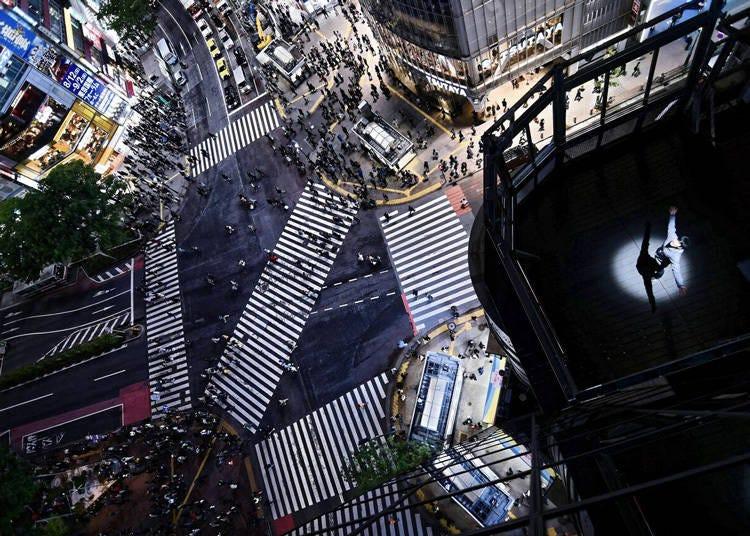 4.スクランブル交差点を一望できる、MAGNET by SHIBUYA109屋上の「CROSSING VIEW」