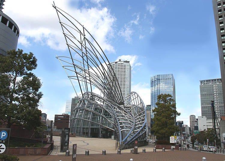 地下でアート作品を鑑賞 国立国際美術館(大阪)