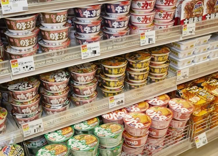 選購訣竅②放在陳列架下層的泡麵也是熱賣商品