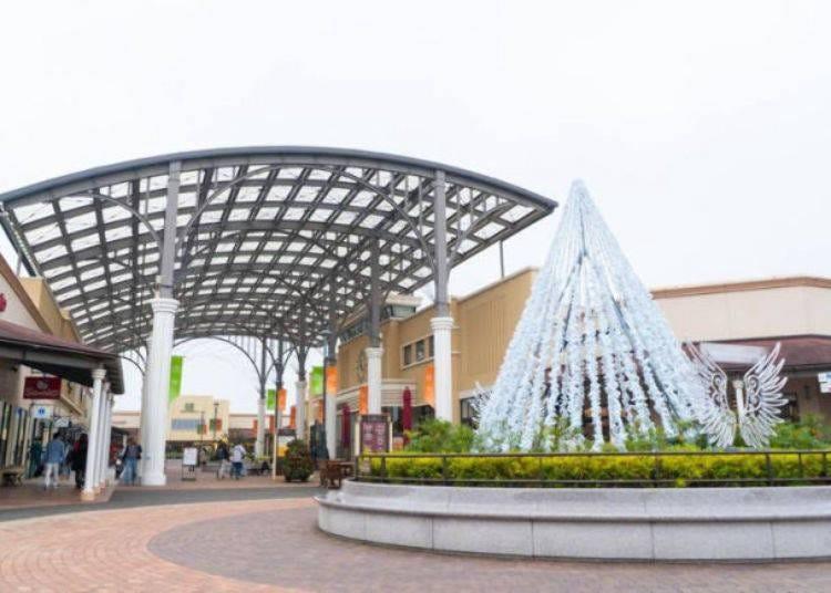 1. Bargain Shopping at Shisui Premium Outlets