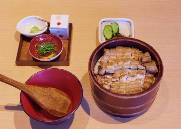 추천 메뉴는 이 매장 한정으로 제공되는 '시오히쓰마부시'. 점심에도 주문 가능!