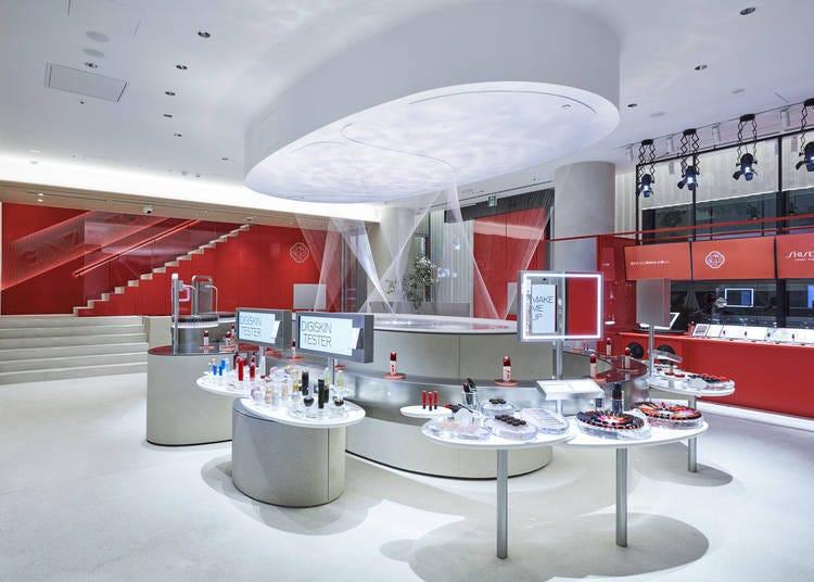 银座SHISEIDO旗舰店1楼:利用「数位试妆」来找寻合意商品